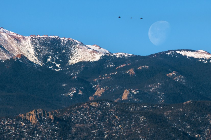 photo of a Colorado Front Range moonset